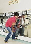 http://photos3.fotosearch.com/bthumb/BLD/BLD020/cs_laundry_145.jpg